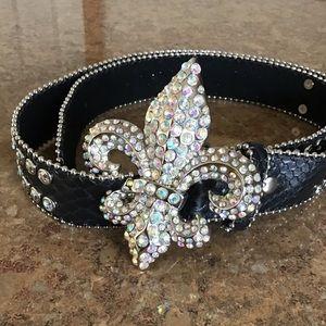 Nocona Leather Fleur De Lis Blinged Out Belt Sz L